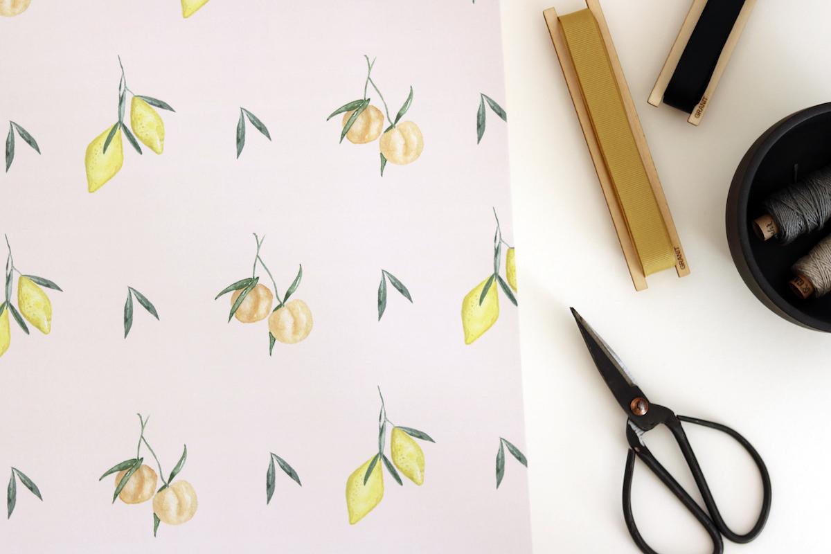 TMT_Geschenkpapierbogen_Lemon_Peaches